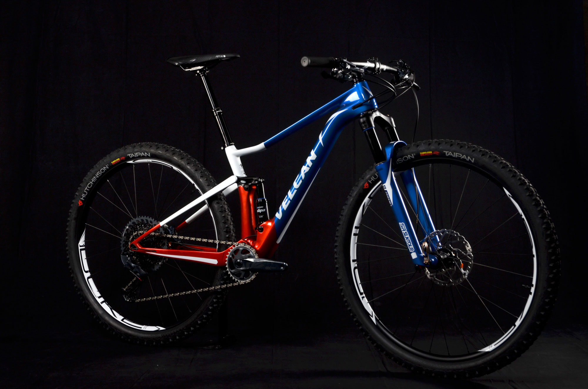 Velcan vélo carbone sur mesure peinture personnalisée